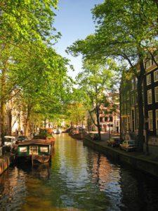 amsterdam-1051376_960_720